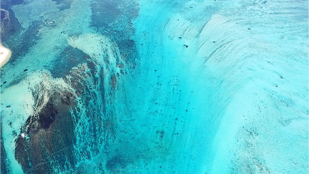 Подводный водопад на Маврикии вблизи