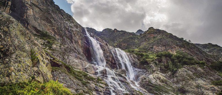 Софийские водопады близко