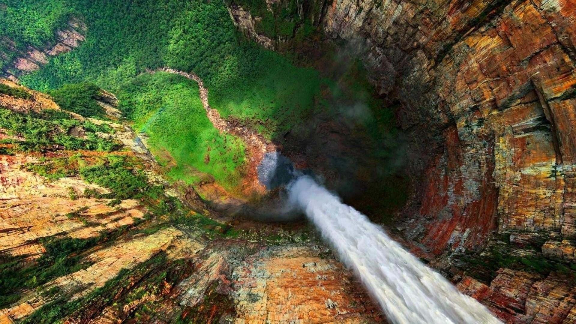 водопад анхель сверху