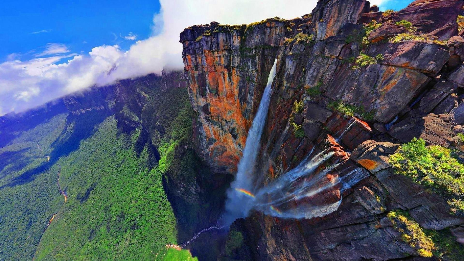 водопад анхель сбоку