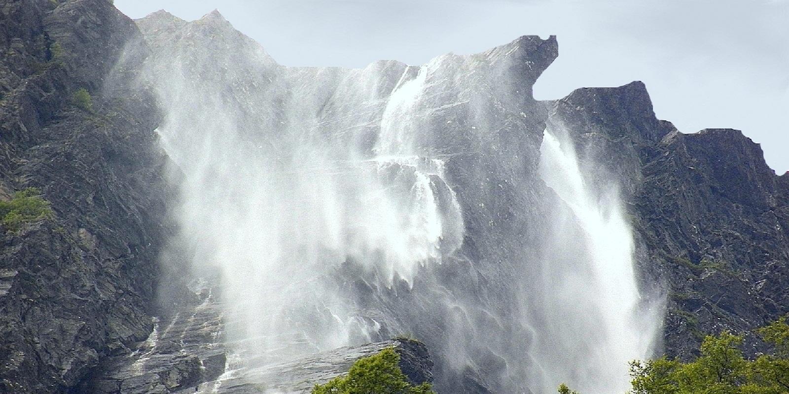 Обратный водопад ветер