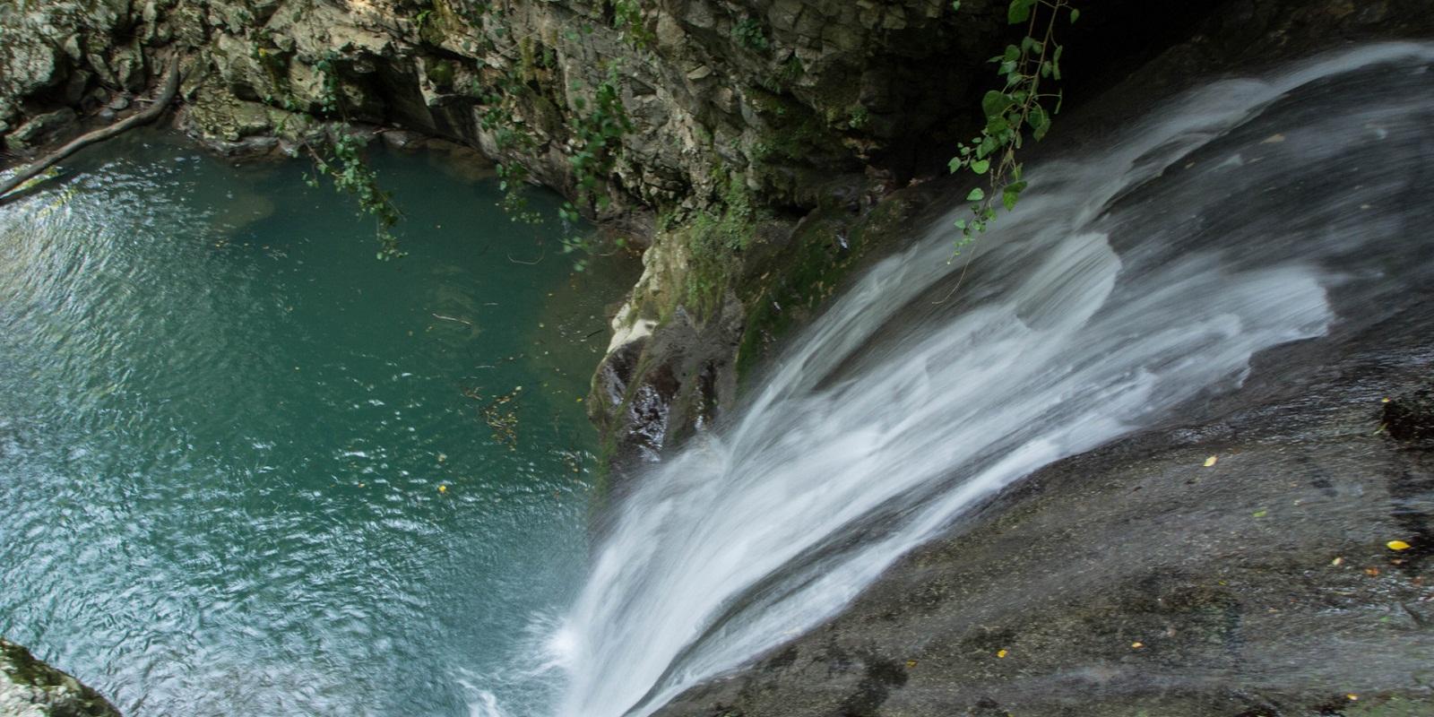 Ольгинский водопад в абхазии сверху