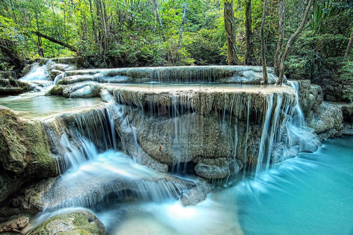 Водопад в парке Эраван