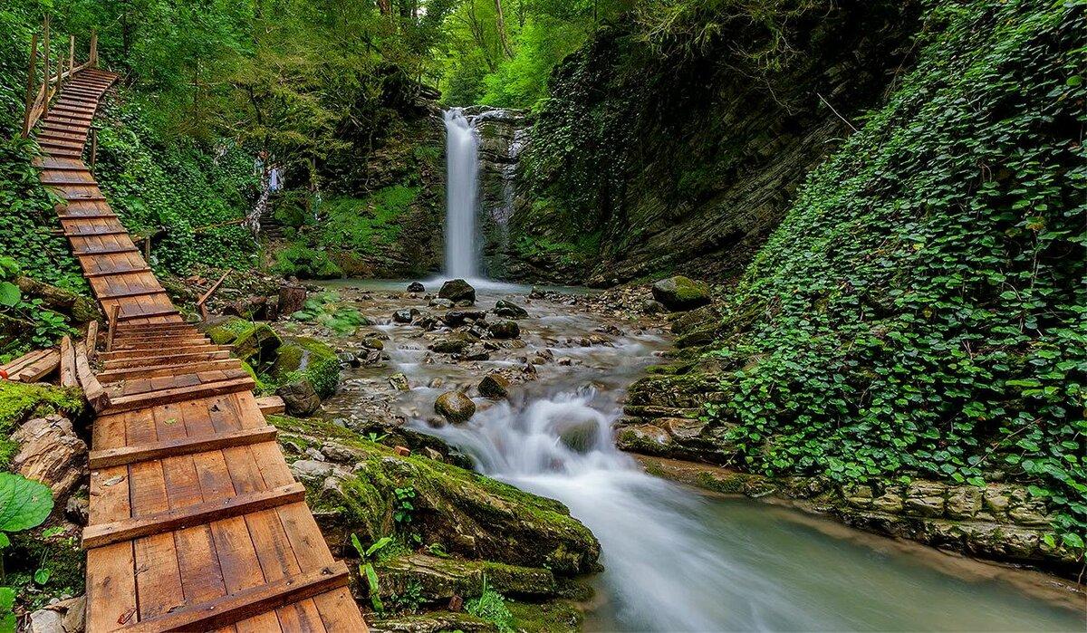 ЗЗ водопада в Лазаревском