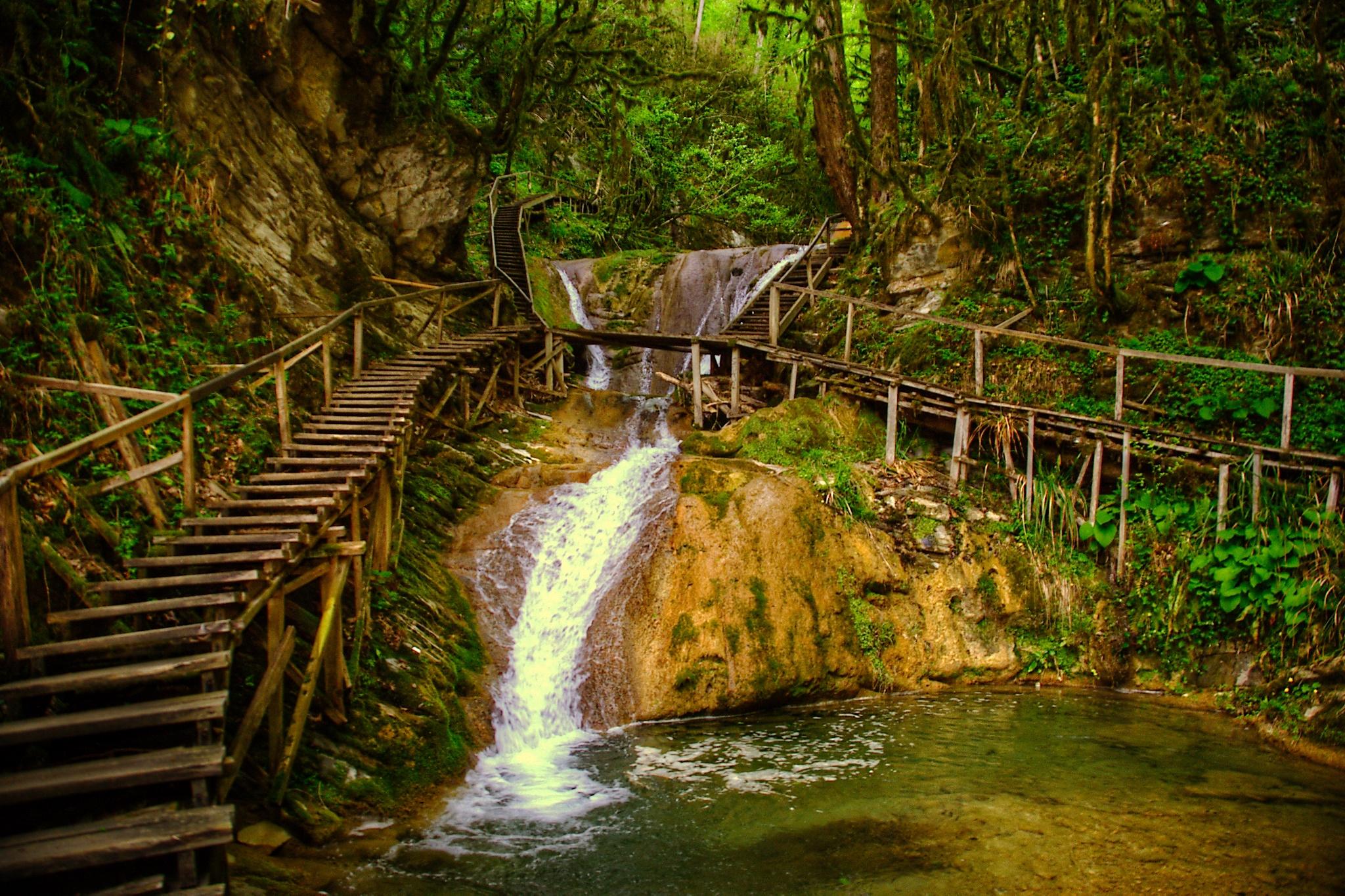 ЗЗ водопада лестница