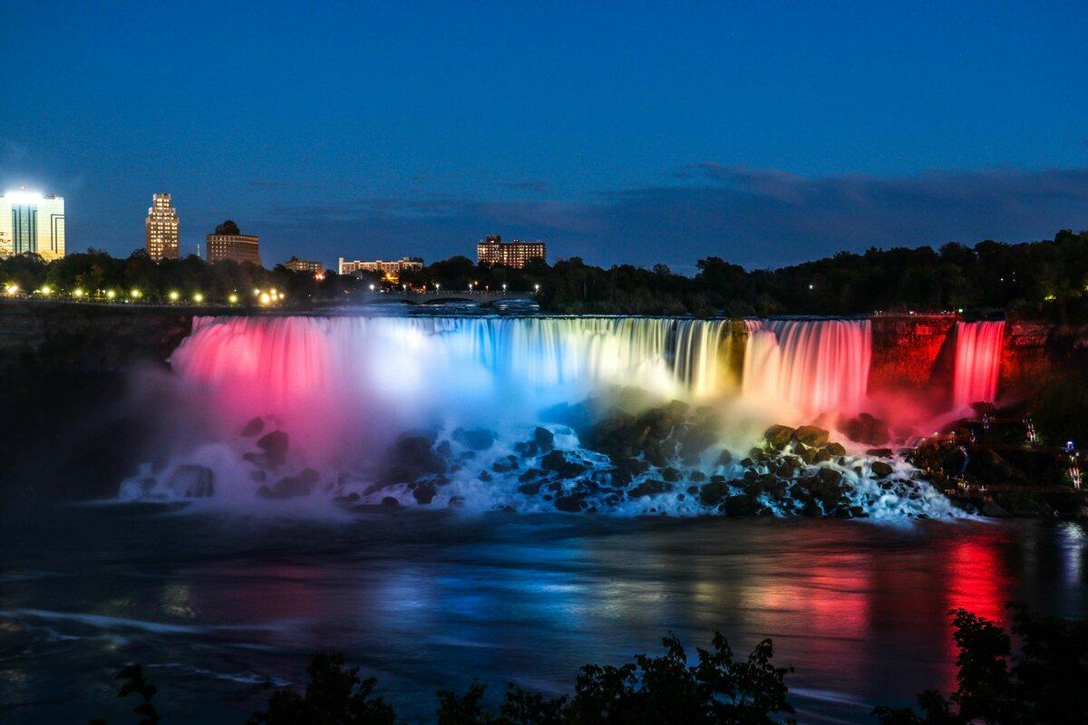 Ниагарский водопад подсветка