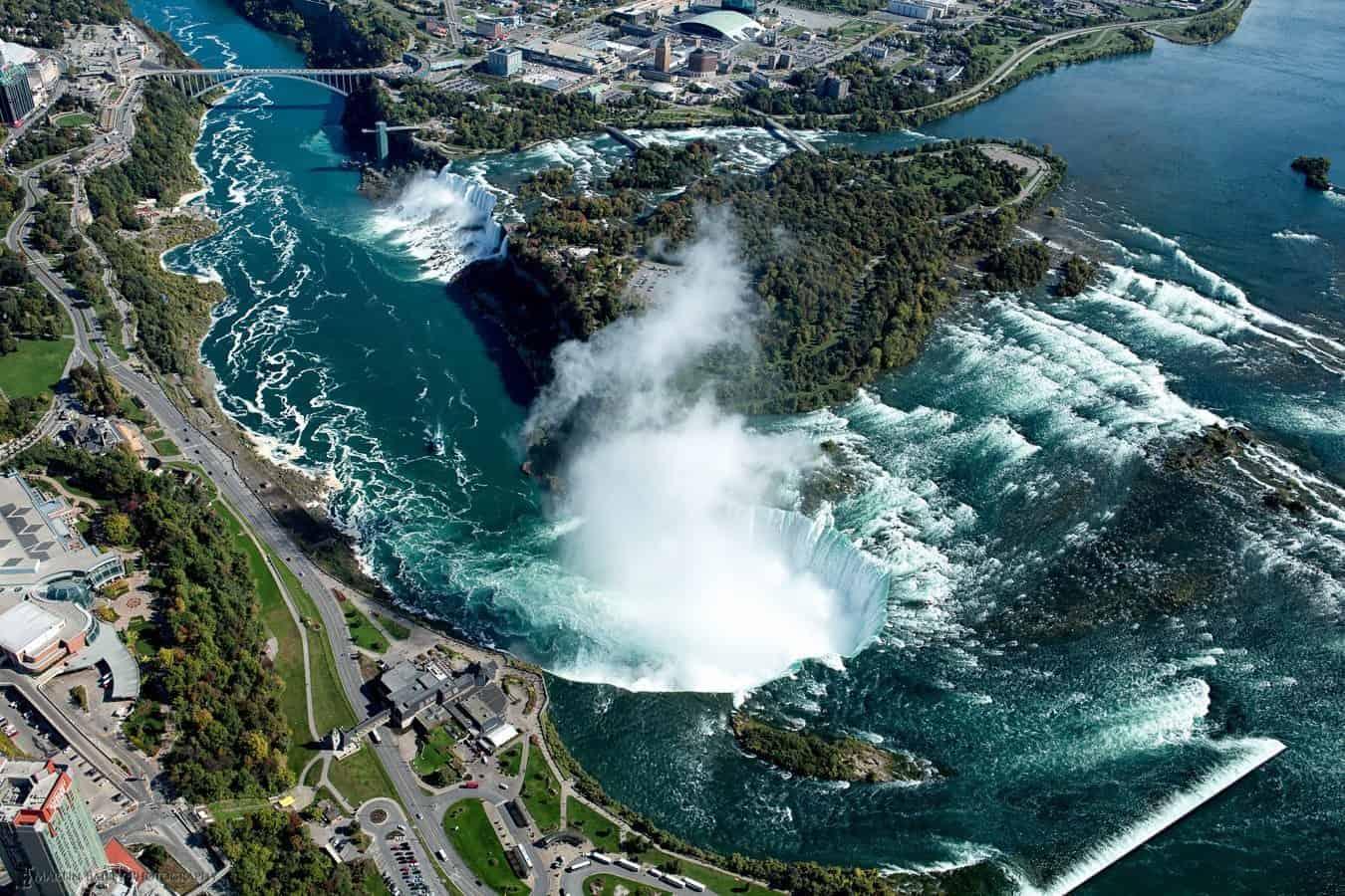 Ниагарский водопад сверху