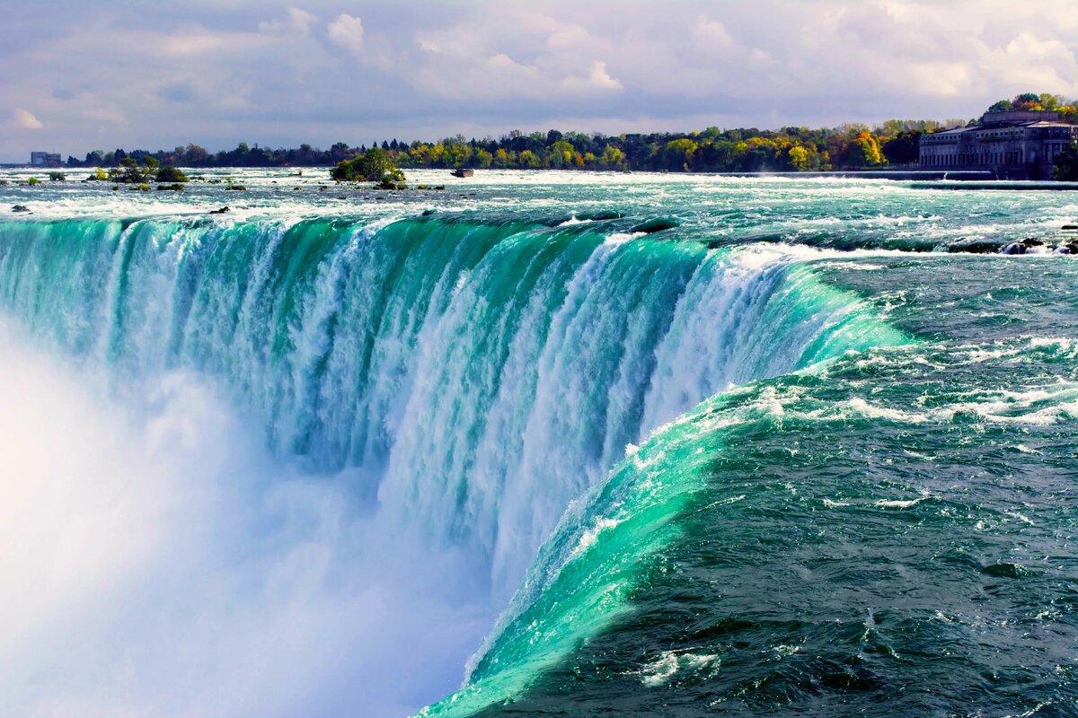Ниагарский водопад близко
