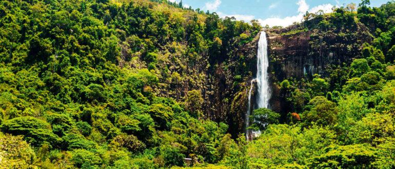 Водопад Бамбараканда Шри-Ланка