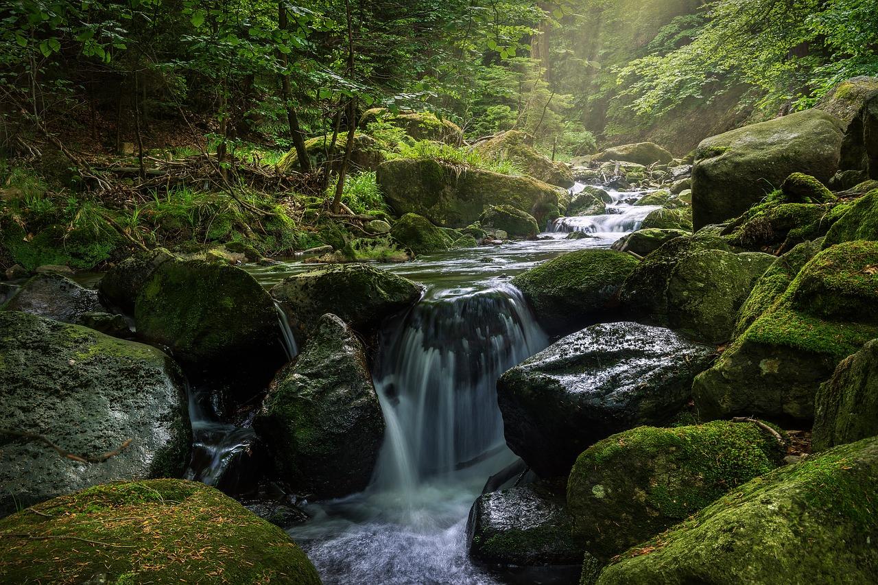 Водопады Менделиха лето