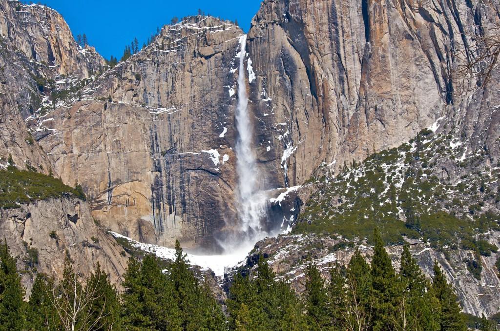 Огненный водопад в Калифорнии панорама