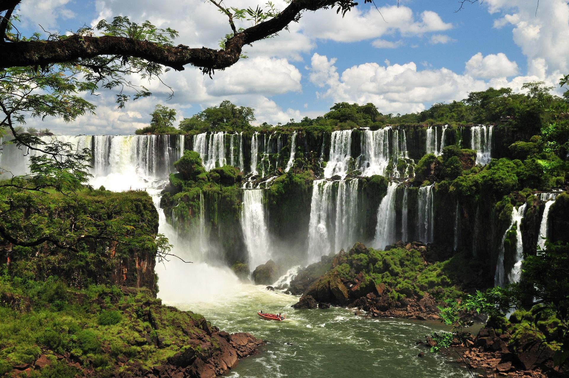Водопады Игуасу вид