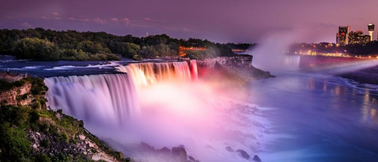 ниагарский водопад вечером