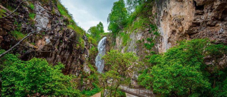 Медовые водопады вид
