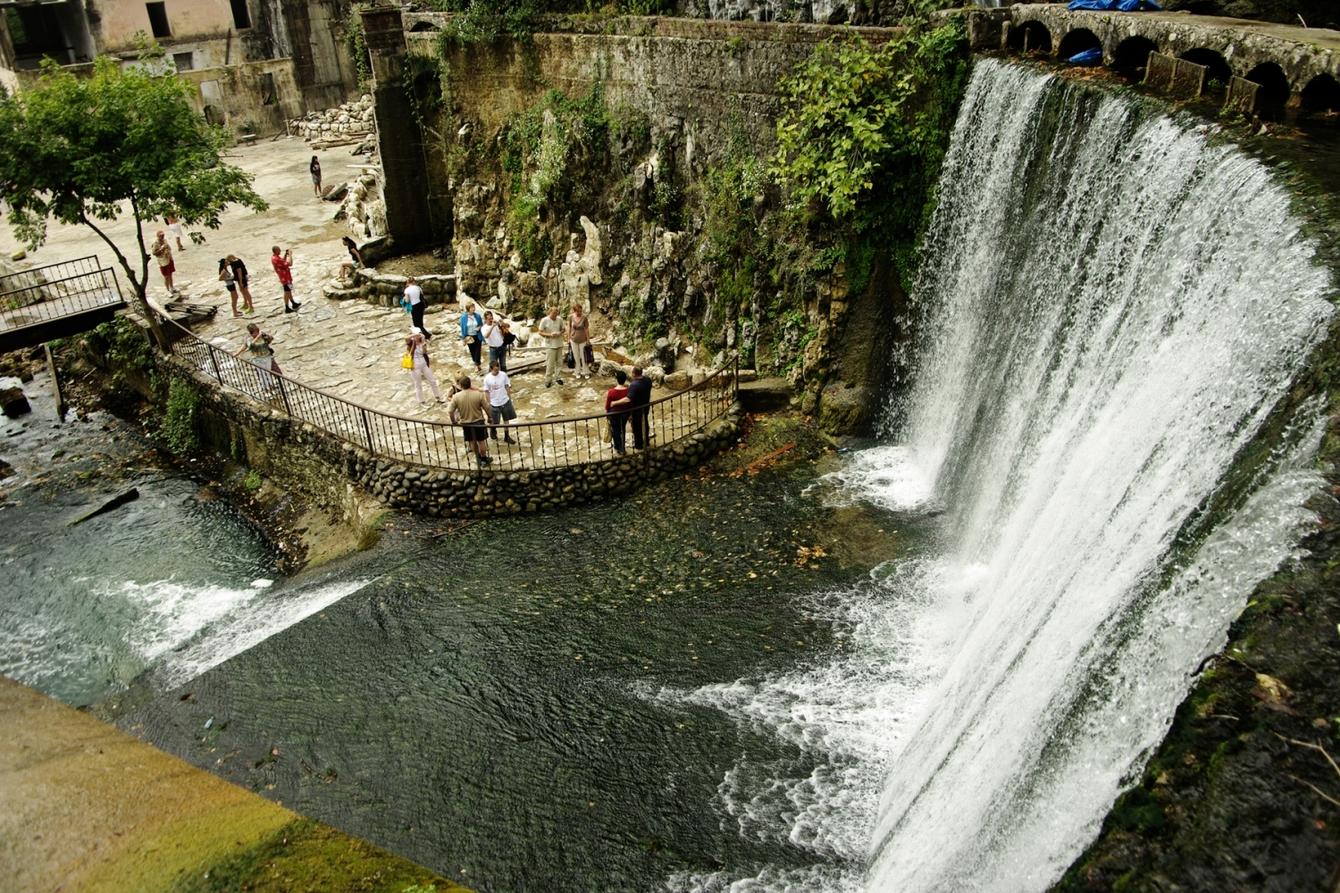 Особенности Новоафонского водопада