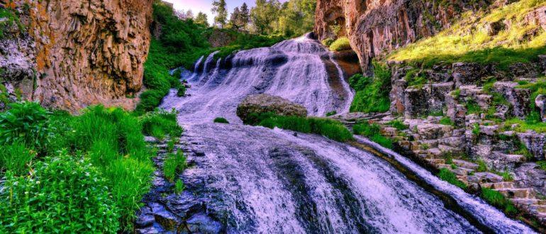 Водопад Шаки в Армении