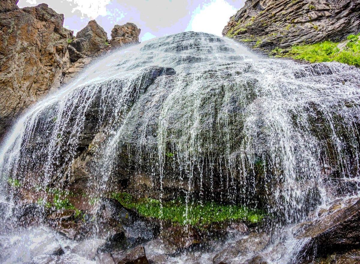 Водопад девичьи слезы Сочи фото