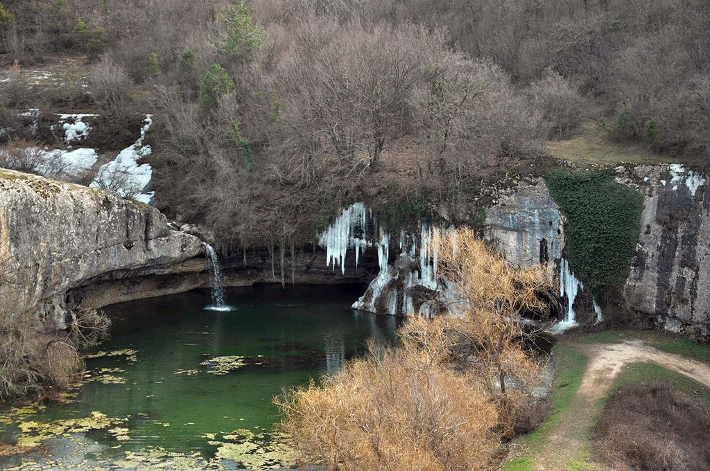 Крымский водопад