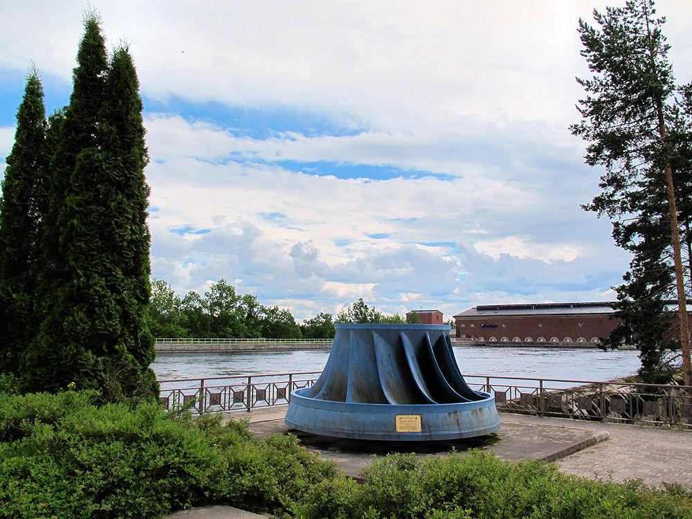Памятник турбине